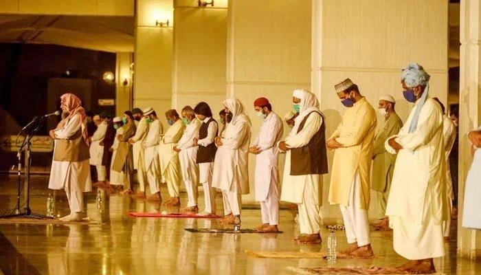 نماز عید کیلئے جاتے وقت
